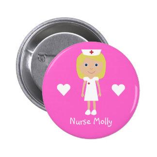 L'infirmière et les coeurs mignons de bande dessin badge rond 5 cm