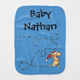 Linge De Bébé Bébé courant le matin de Noël
