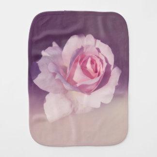 Linge De Bébé Conception pourpre de rose rose de fleur de cru