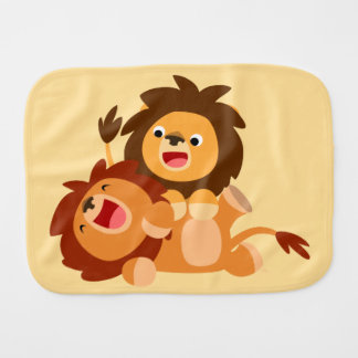 Linge de bébé espiègle mignon de deux lions de