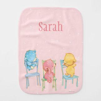 Linge De Bébé Jaune, rose, et bleu concerne des chaises