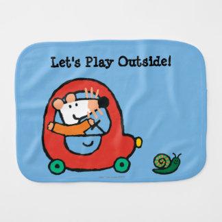 Linge De Bébé Maisy conduit une voiture rouge mignonne
