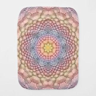 Linge de bébé mou de kaléidoscope de pastels