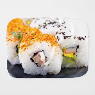 Linge De Bébé Sushi d'un plat
