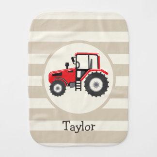 Linge De Bébé Tracteur rouge de ferme sur les rayures bronzages