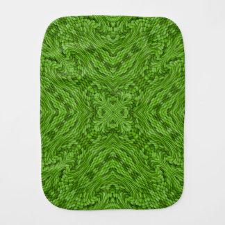 Linge de bébé vert allant de kaléidoscope