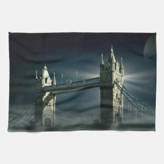 Linge De Cuisine Pont Londres de tour en brouillard de nuit