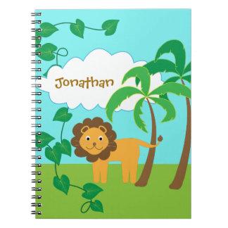 Lion dans la jungle avec des palmiers carnet