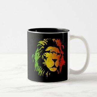 Lion de lion de reggae de Zion Judah Mug Bicolore