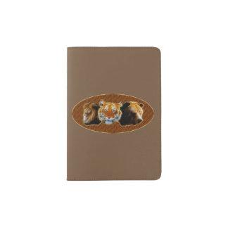 Lion et tigre et ours protège-passeport