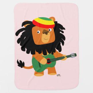 Lion mignon de bande dessinée de couverture de couvertures pour bébé