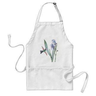 L'iris bleu d'oiseau de colibri fleurit le tablier