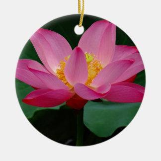 Lis de floraison ornement rond en céramique