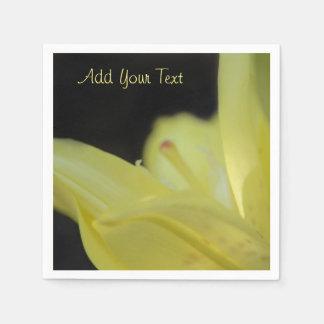 Lis jaune par Shirley Taylor Serviette En Papier
