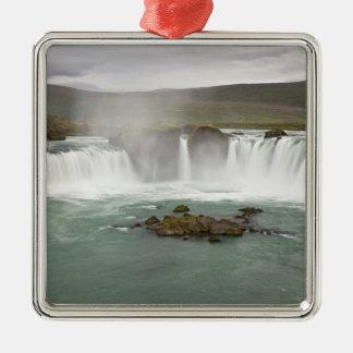 L'Islande. La vue de Godafoss tombe sur Ornement Carré Argenté