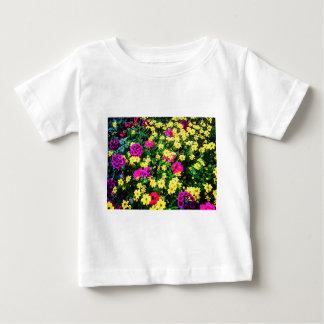 Lit de fleur vibrant t-shirt