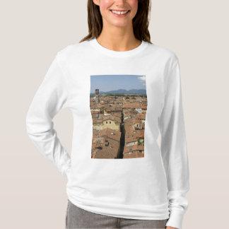 L'Italie, Toscane, Lucques, vue de la ville et T-shirt