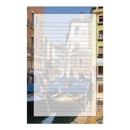 L'Italie, Venise, gondoles a amarré le long du can Motifs Pour Papier À Lettre