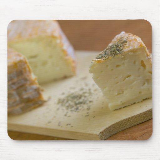livarot la normandie la france fromage d 39 aoc tapis de souris zazzle. Black Bedroom Furniture Sets. Home Design Ideas