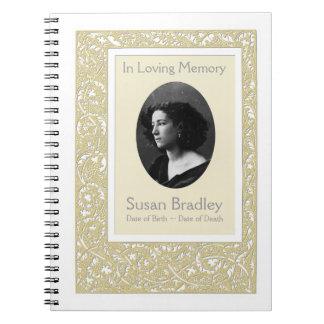 Livre d'invité commémoratif funèbre de motif carnet à spirale