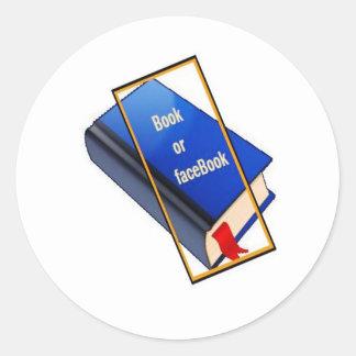 Livre ou facebook autocollant rond