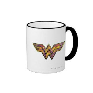 Logo coloré de femme de merveille mug ringer