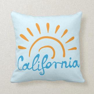 Logo ensoleillé de la Californie Coussin
