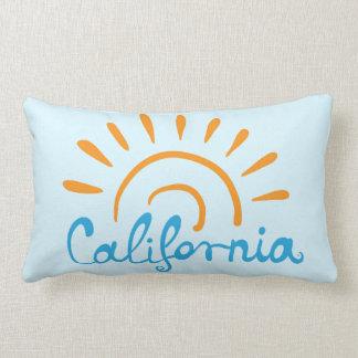 Logo ensoleillé de la Californie Coussins Carrés