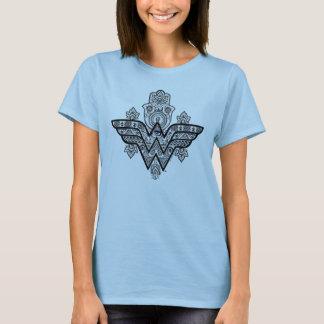 Logo spirituel de Paisley Hamsa de femme de T-shirt