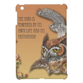 L'oiseau est actionné par sa propre vie et son coque iPad mini
