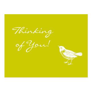 L'oiseau vintage de jaune de moutarde pensant à carte postale