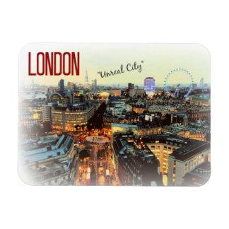 """Londres : """"Ville irréelle""""--Aimant de T.S. Eliot Magnets En Vinyle"""