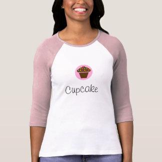 Longue chemise de douille de petit gâteau t-shirt