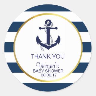 L'or nautique de bleu marine barre le baby shower sticker rond