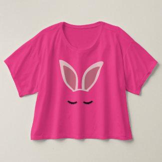 L'oreille de lapin fouette le T-shirt