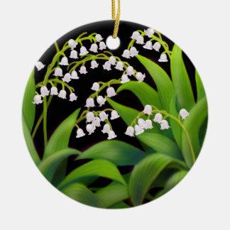 L'ornement floral du muguet ornement rond en céramique