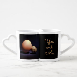 Lot De Mugs Oeufs de poulet et de caille dans l'amour. Texte