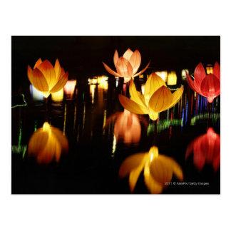 Lotus a formé des lanternes pour le mi festival carte postale