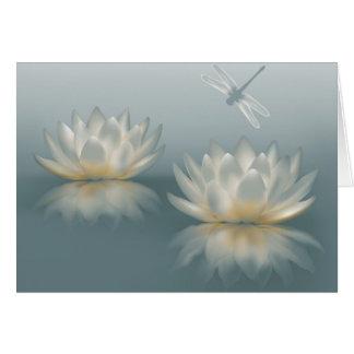 Lotus et carte de note de libellule