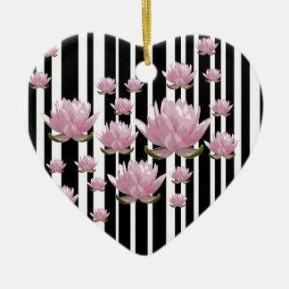 Lotus Ornement Cœur En Céramique