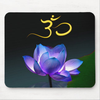 Lotus pourpre en pleine floraison avec l'OM, mouse Tapis De Souris