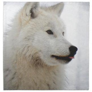 Loup arctique collant sa langue serviette