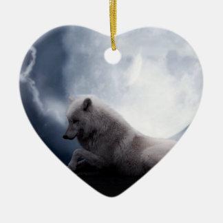 Loup impressionnant et loup blanc de lune ornement cœur en céramique