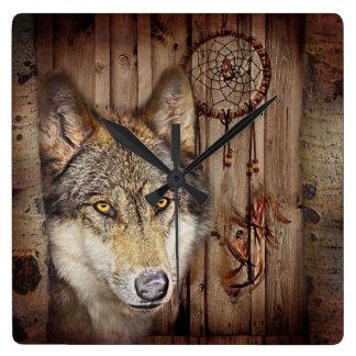 loup sauvage de receveur rêveur indien indigène ru horloge carrée