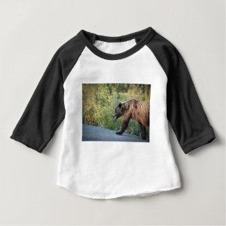 L'ours gris le Yukon, Canada attaque, des T-shirt Pour Bébé