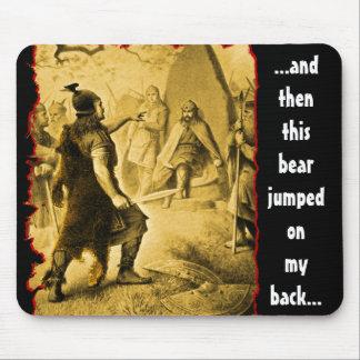 L'ours sauté sur mon arrière… tapis de souris
