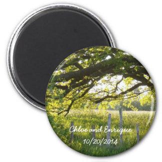 Lumière du soleil et mariage personnalisé par arbr magnet rond 8 cm