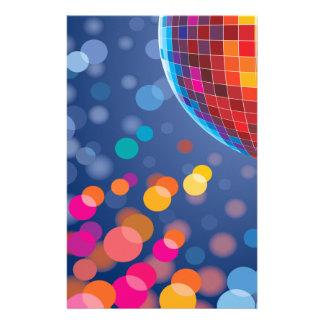 Lumières d'arc-en-ciel de temps de partie de disco papier à lettre customisable