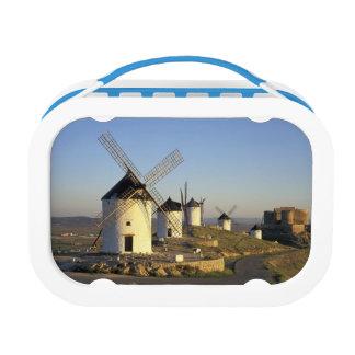 Lunch Box UE, Espagne, La Mancha, Consuegra. Moulins à vent