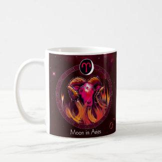 Lune dans la tasse de Bélier